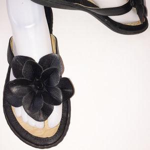 BORN BOC Black Flower Embellishment Thong Sandal